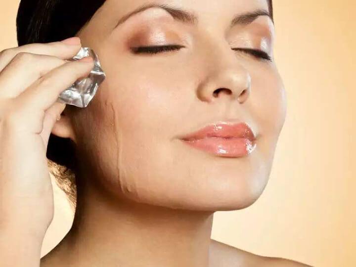 Sử dụng đá lạnh massage da mặt giúp cấp ẩm cho da rất tốt