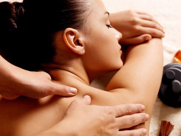 Bài tập massage số 7 hỗ trợ giảm nhanh cơn đau mỏi