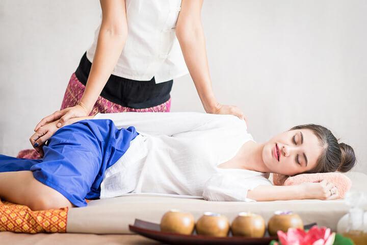 Massage kiểu Thái giúp thư giãn cơ thể rất hiệu quả