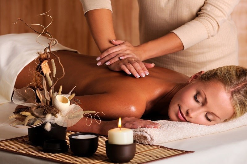 Hướng dẫn massage lưng thư giãn, xua tan bệnh lý xương khớp