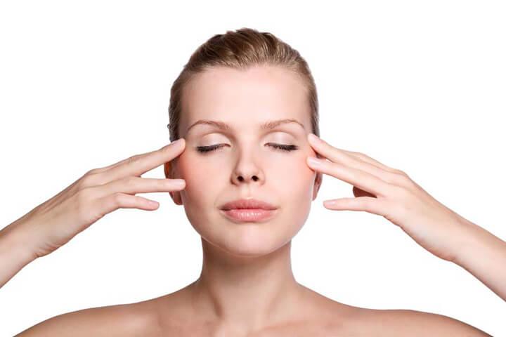 Massage mắt thường xuyên giúp bạn có đôi mắt đẹp và sáng khỏe