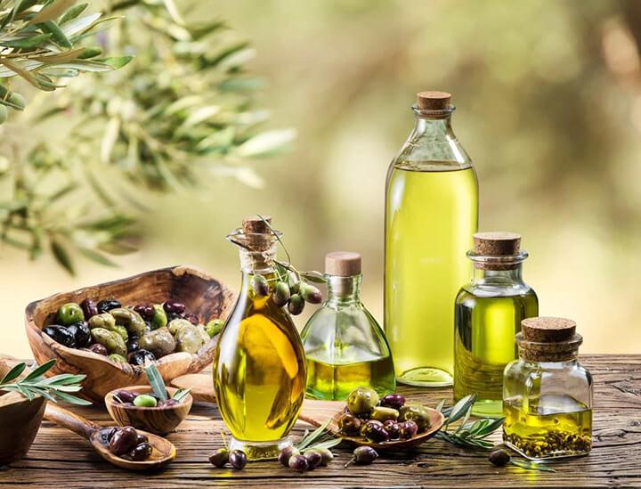 Dầu oliu có nhiều tác dụng với làm đẹp và chăm sóc sức khỏe.