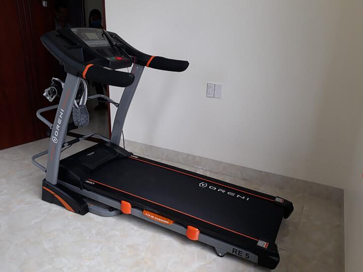 RE-5 là máy chạy bộ đang thịnh thành tại Oreni Gò Vấp, được nhiều người quan tâm
