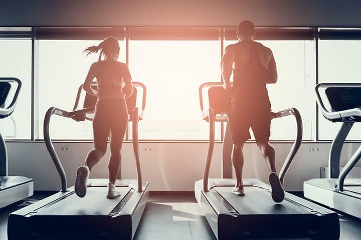 Nên chọn máy chạy bộ phòng Gym có động cơ mạnh mẽ