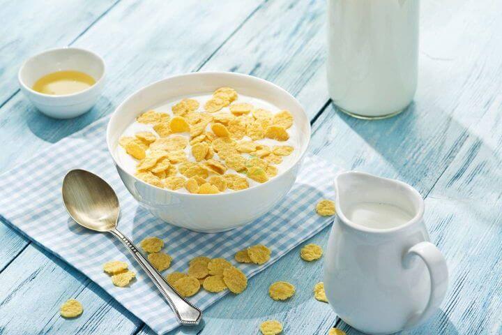 Sau khi tập Gym nên ăn gì - Ngũ cốc và sữa