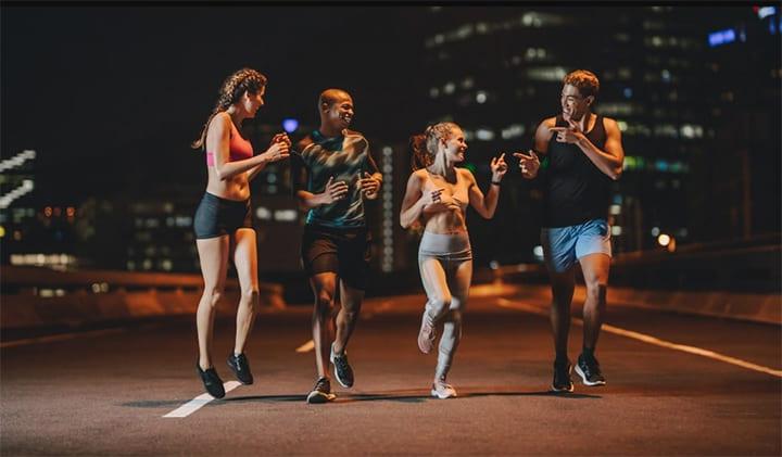 Buổi chiều và buổi tối hoàn toàn là thời điểm thích hợp cho các hoạt động thể chất