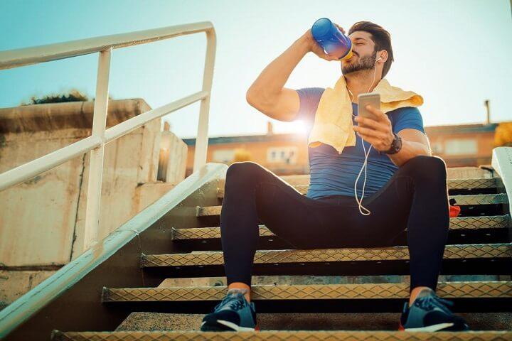 Sau một buổi đi bộ căng thẳng và kiệt sức, bạn nên giúp cơ thể phục hồi và được thư giản.