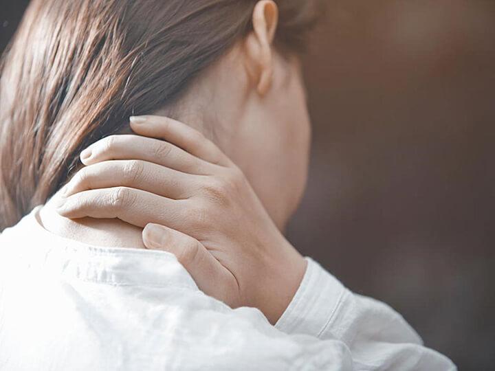 Đau vai gáy là tình trạng đau nhức vô cùng khó chịu cho người bệnh