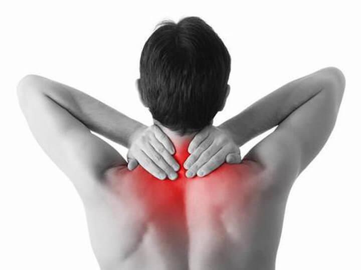 Các chấn thương vùng vai gáy khiến bạn cảm thấy đau nhức, khó chịu