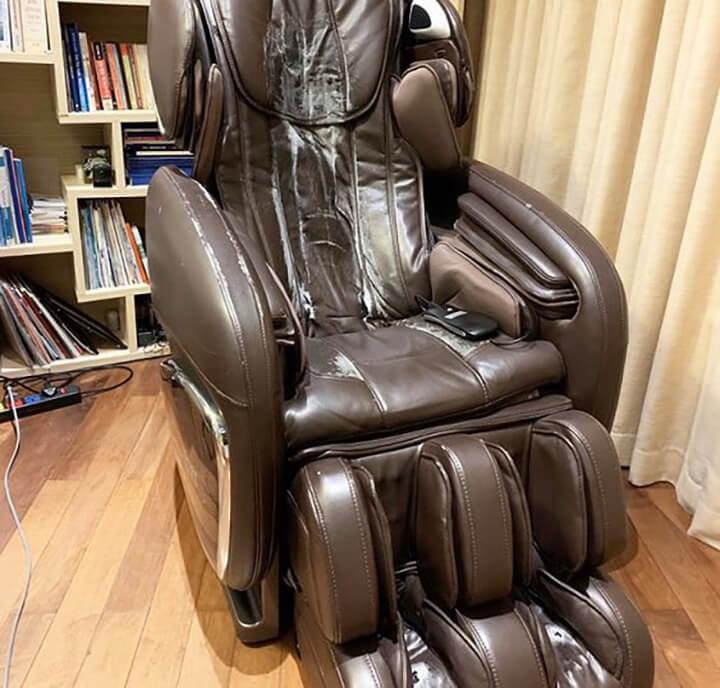 Đặt ghế massage trong môi trường quá ẩm thấp có thể khiến da ghế bị hỏng