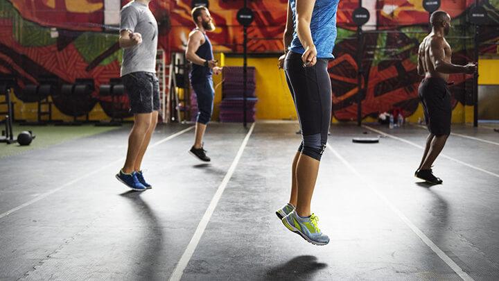 Nhảy dây giúp cơ thể linh hoạt hơn.
