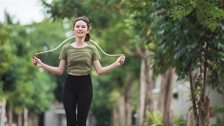 Nếu bạn nặng 50kg, khi nhảy 100 nhịp/phút và nhảy trong 10 phút thì lượng calo bạn đốt là khoảng 1140 calo