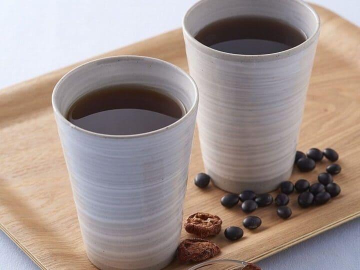 Trà từ Nhật Bản với thành phần là đậu đen là một trong những cách uống nước đậu đen giảm béotốt