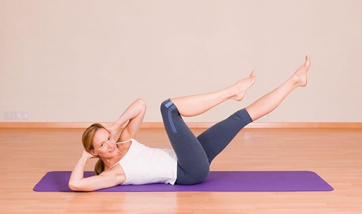 Bài tập Pilates Criss-Cross