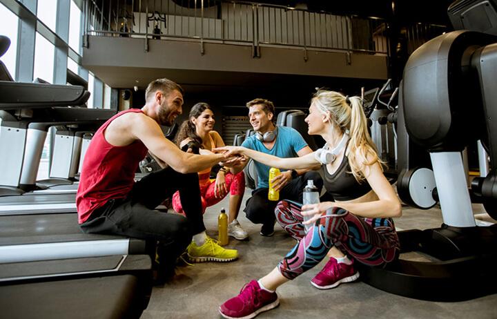 PT Gym giúp mở rộng mối quan hệ.