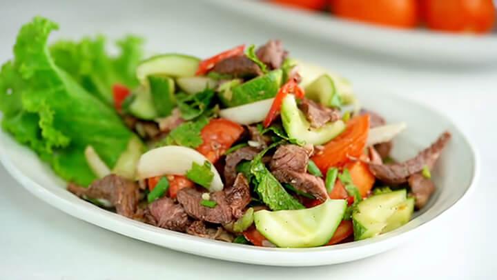 Có được món salad giảm cân đơn giản chỉ sau 15 phút thực hiện