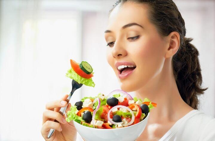 Sau bữa ăn, bạn cần chú ý thực hiện một số động tác để giảm cân, giảm béo hiệu quả