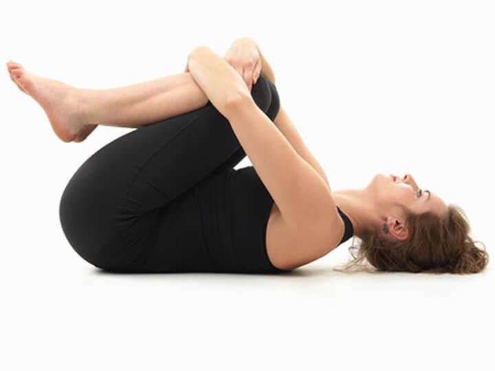 Luyện tập tư thế nằm xả hơi giúp các mẹ xả stress rất tốt