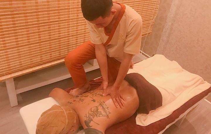 Massage Shiatsu là liệu pháp trị liệu hiện đại