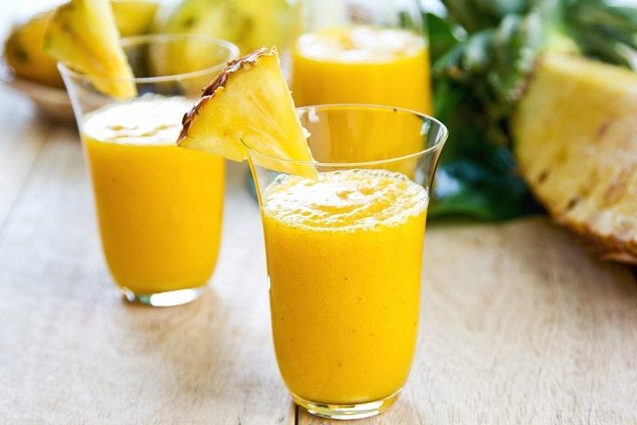 Xoài và dứa tạo nên công thức smoothie thơm ngon bổ dưỡng