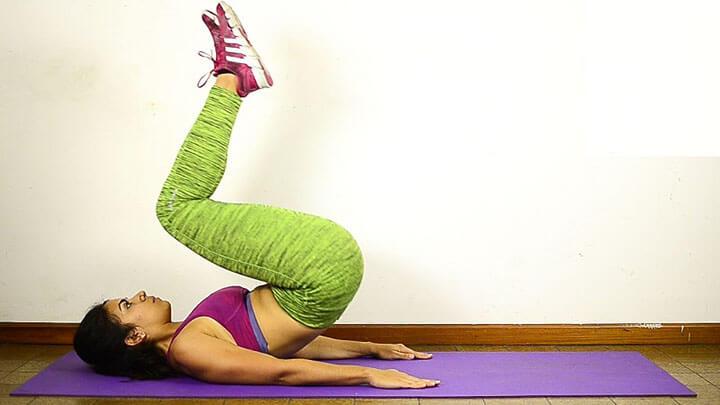 Reverse Crunch - bài tập bụng ngược được nhiều huấn luyện viên khuyên tập