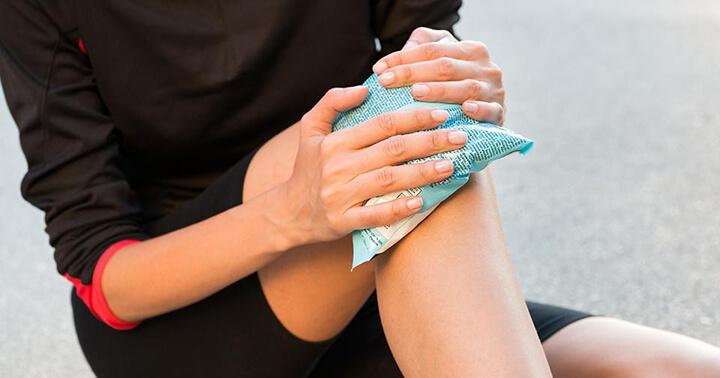 Chườm nóng ướt có thể áp dụng cho trường hợp thể nhẹ