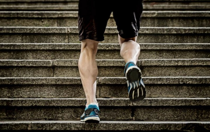 Tập luyện đi bộ thường xuyên giúp bạn sở hữu đôi chân rắn chắc khỏe mạnh