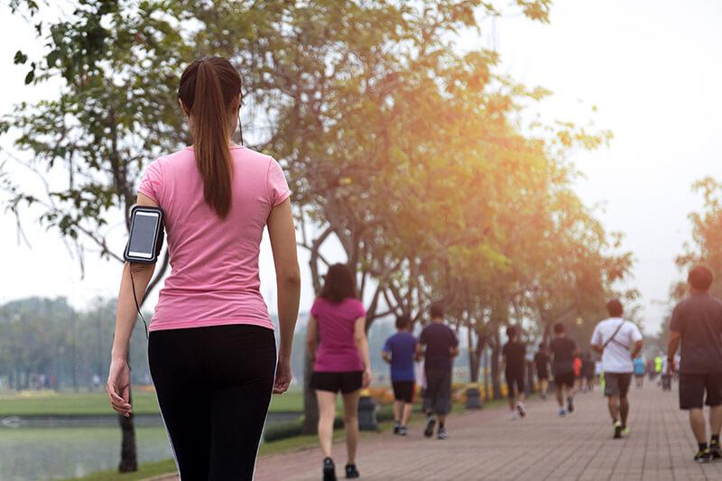15 tác dụng tuyệt vời của đi bộ hàng ngày đối với sức khỏe