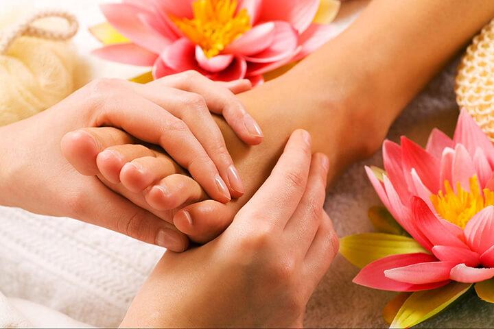 Massage chân là một trong những liệu pháp nâng cao sức khỏe cho con người