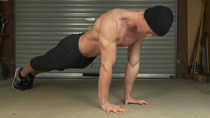 Plank giúp phát triển cơ bắp, kích thích nhóm cơ tăng trưởng