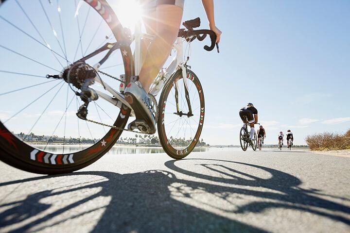 Đạp xe cần đảm bảo an toàn, vừa sức.