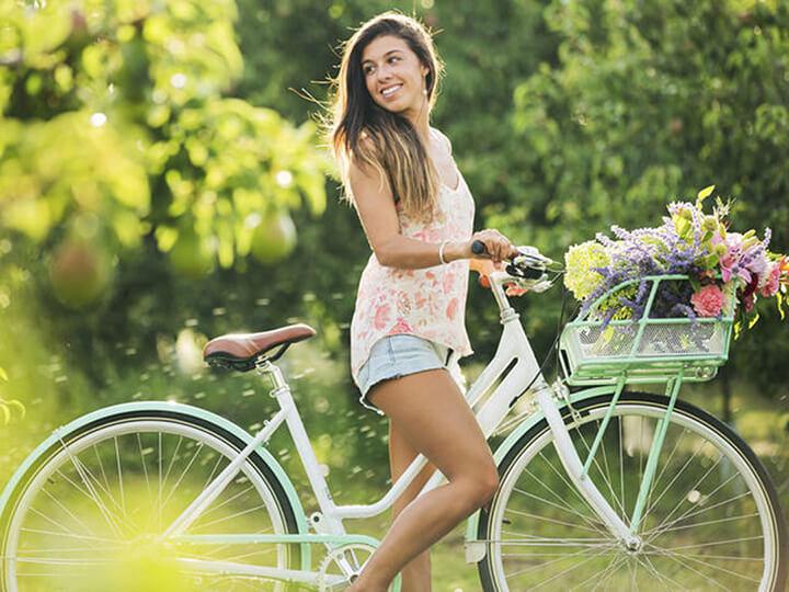 Đạp xe buổi sáng là hình thức tập luyện tốt cho sức khỏe.