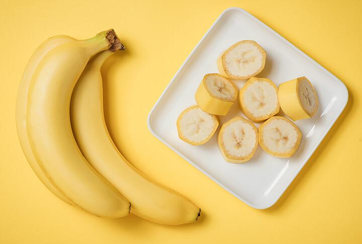 Chuối chứa nhiều vitamin cần thiết cho cơ thể như nhóm B và vitamin C