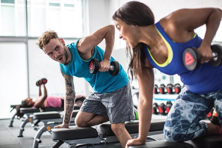 Tập Gym với bạn bè sẽ tăng thêm niềm vui