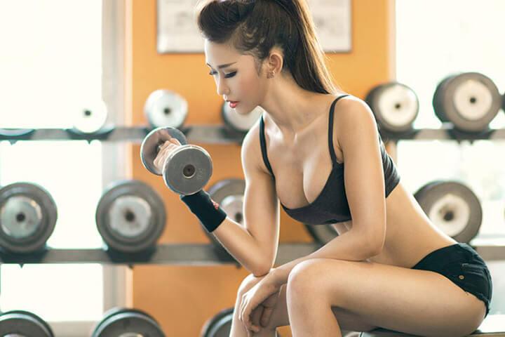 Tập gym giúp bạn cải thiện kích cỡ vòng 1