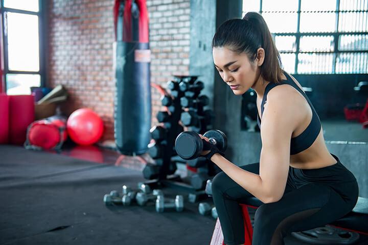 Con gái tập Gym sẽ hỗ trợ giảm cân tốt hơn tập Yoga.
