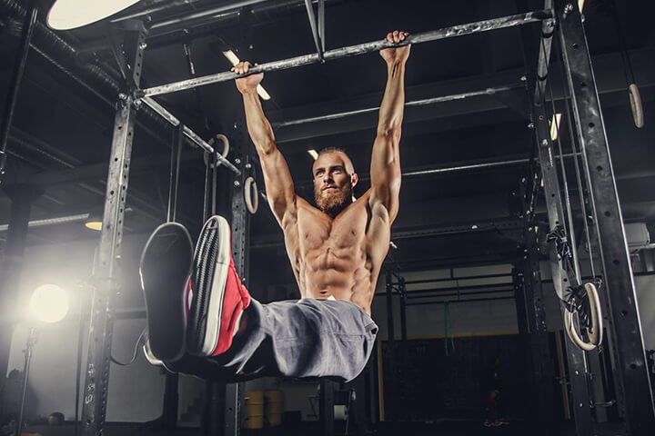 Lịch tập Gym tăng chiều cao của bạn nên ưu tiên bài tập hít xà đơn, xà kép.