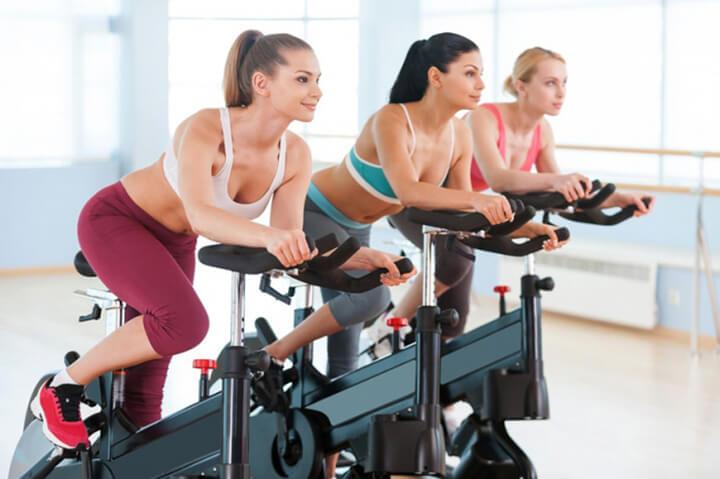 Đạp xe 30 phút mỗi ngày giúp bạn cải thiện vóc dáng hiệu quả.