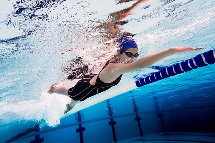 Bơi lội cũng là môn thể thao giúp cải thiện chiều cao rất tốt.