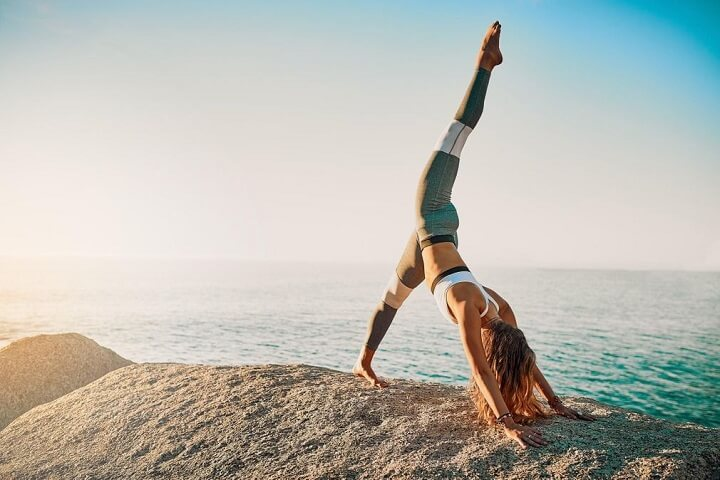 Duy trì thói quen tập Yoga thường xuyên mang lại cho bạn rất nhiều lợi ích.