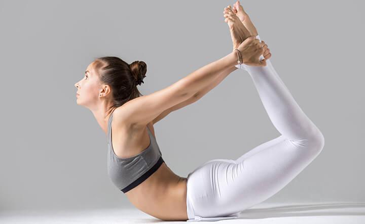 Tư thế Yoga cánh cung hỗ trợ giảm mỡ béo cực kỳ hiệu quả