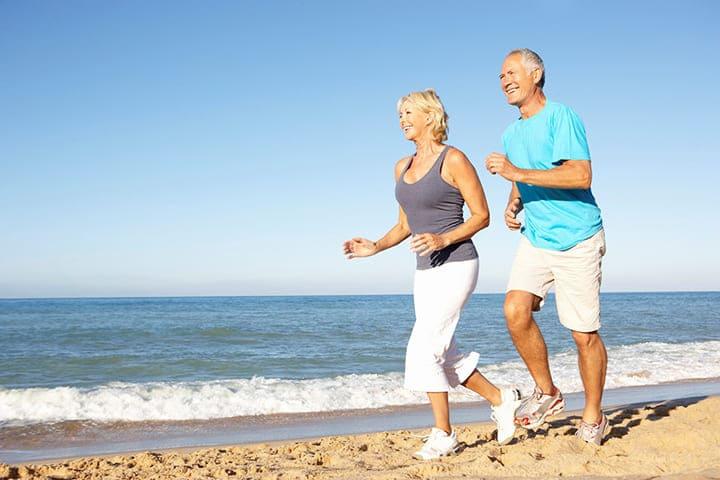 Người bị đau khớp gối không nên vận động mạnh