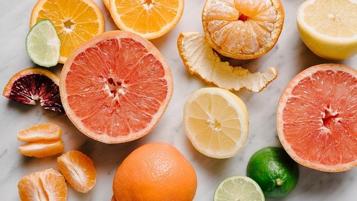 Trái cây họ cam cung cấp nhiều vitamin C cần thiết cho cơ thể