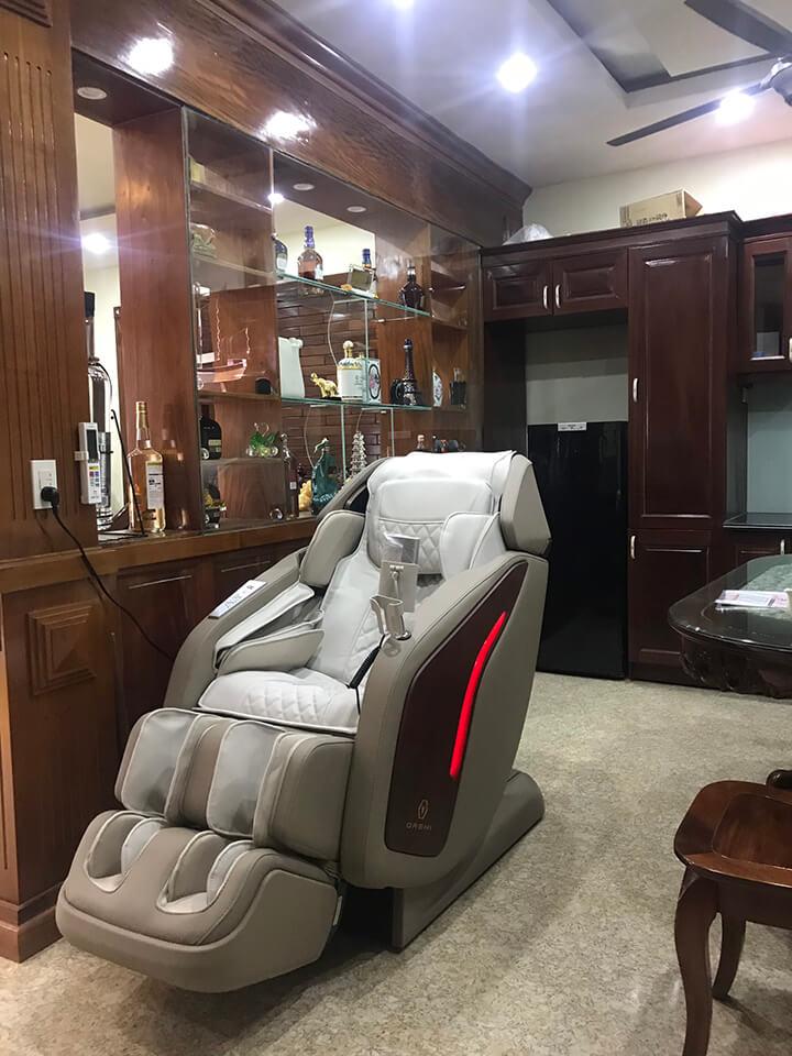 Bạn nên chọn những thương hiệu bán ghế massage uy tín, nhiều người biết đến để an tâm khi mua sản phẩm