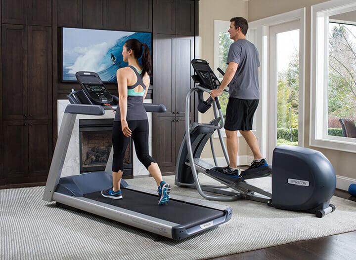 Chạy bộ với mấy tập trong nhà cũng là cách tập luyện hiệu quả