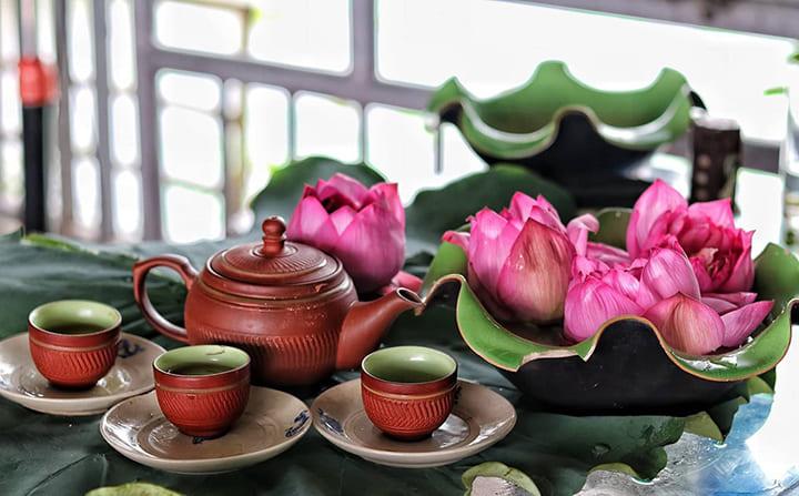 Uống trà lá sen, trà xanh giúp giảm cân nhanh chóng