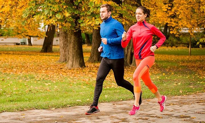 Lựa chọn trang phục thoải mái khi chạy bộ giúp nâng cao hiệu quả tập luyện
