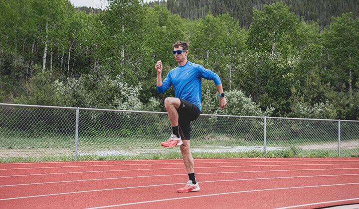 Áp dụng kỹ thuật chạy bộ tại chỗ chính xác giúp bạn phát huy tác dụng bài tập tốt nhất.