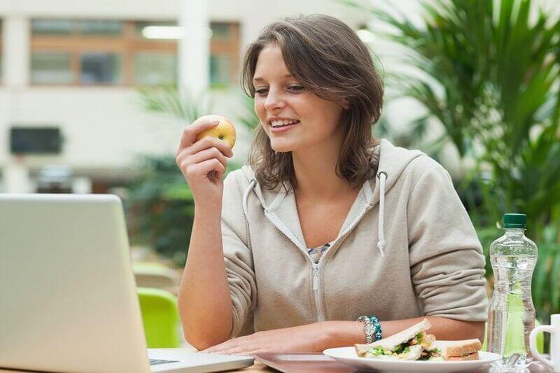 8 tư thế ngồi để giảm mỡ bụng cực hiệu quả giúp bụng thon gọn