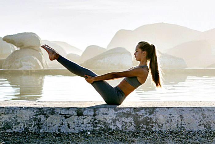 Tư thế con thuyền nhỏ đơn giản, dễ tập luyện giúp đem lại hiệu quả khi tập Yoga